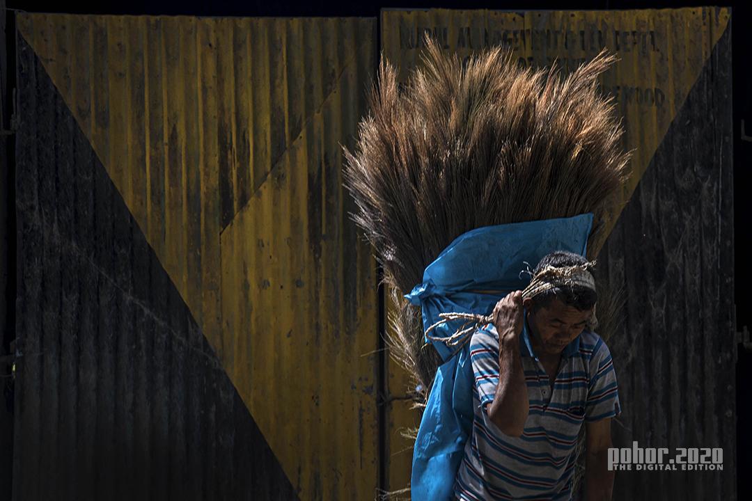Portrait_Swarup Kumar Chakraborty_Struggling Alone
